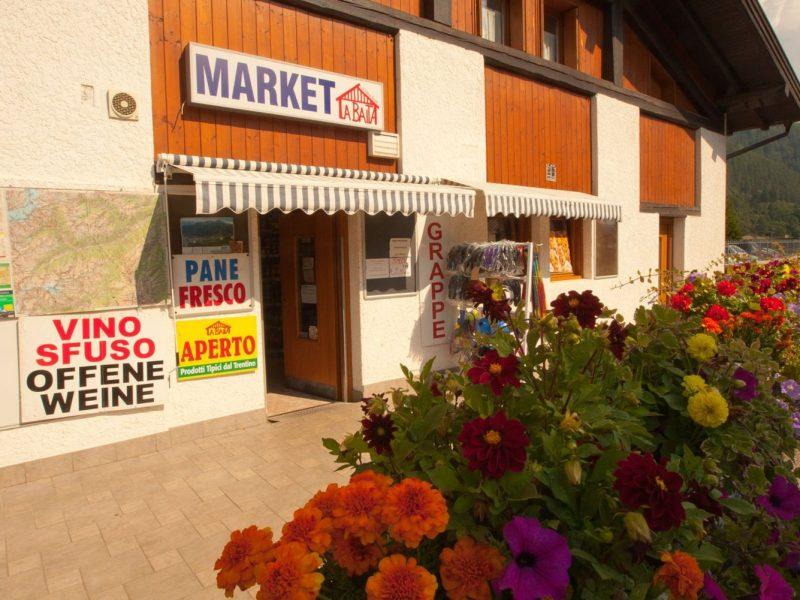Dolomiti Camping Village supermarkt