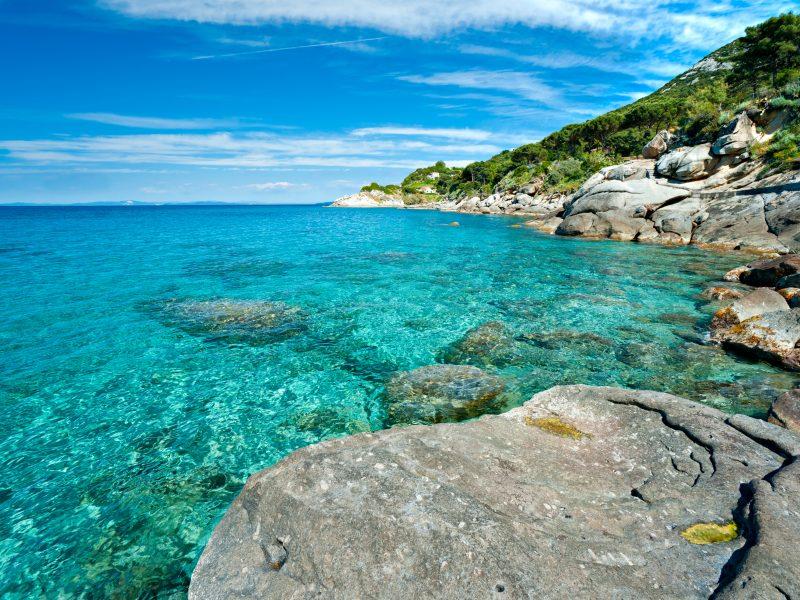 Elba zee rotsen