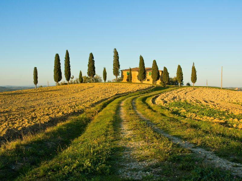 Toscane agriturismo op heuvel