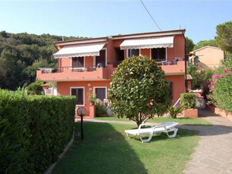 Villa Franca vakantiewoning ligstoelen