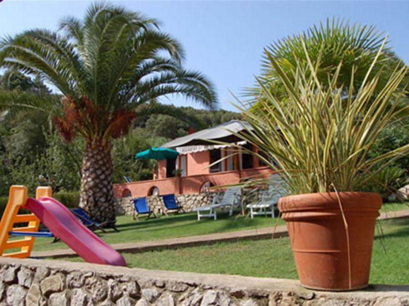 Villa Franca vakantiewoning speeltuin