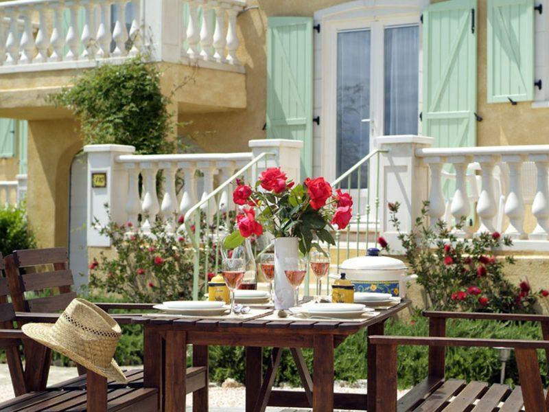Le Clos des Oliviers vakantiewoning buitengedeelte