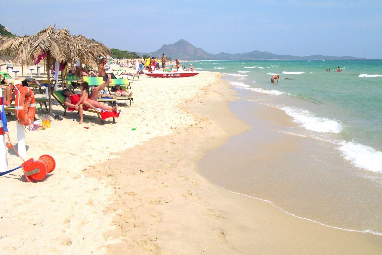 Rey Beach Club Costa Rei strand zee