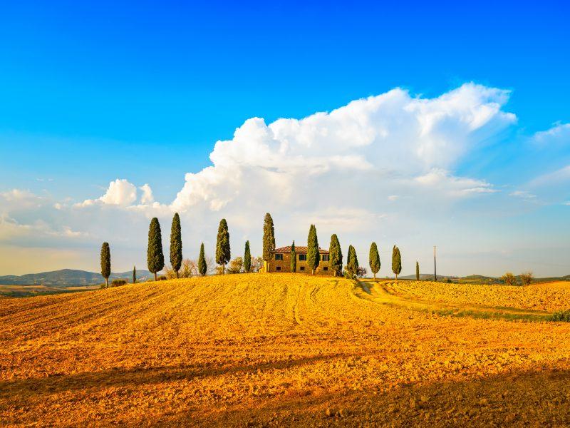 Toscane agriturismo op een heuvel