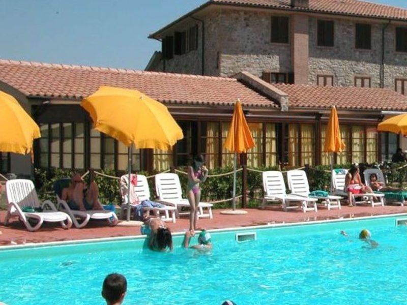 La Pieve di Pomaia agriturismo zwembad zwemmen