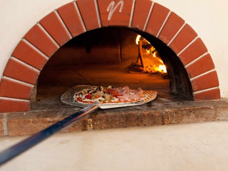 La Pieve di Pomaia restaurant pizza oven