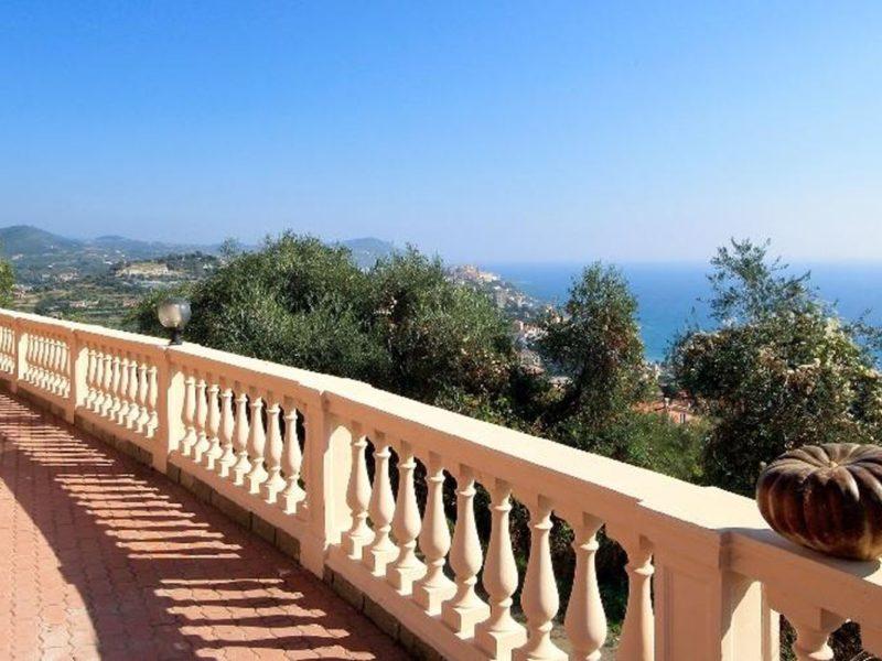 Residence Villa Chiara vakantiewoning terras uitzicht