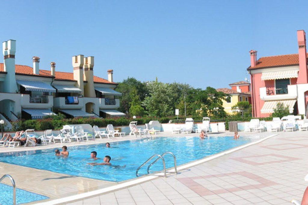 Residence le Briccole zwembad