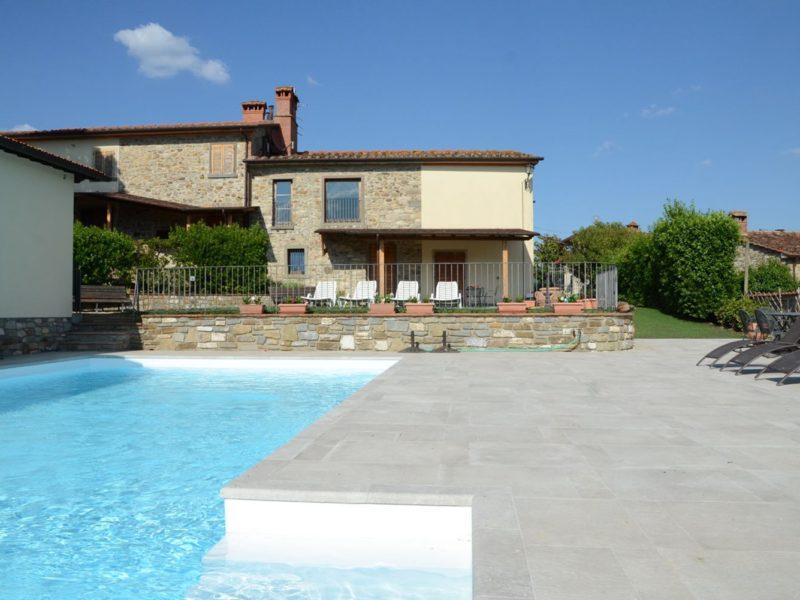 cincinelli huis en zwembad